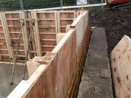 Shuttering for the walls