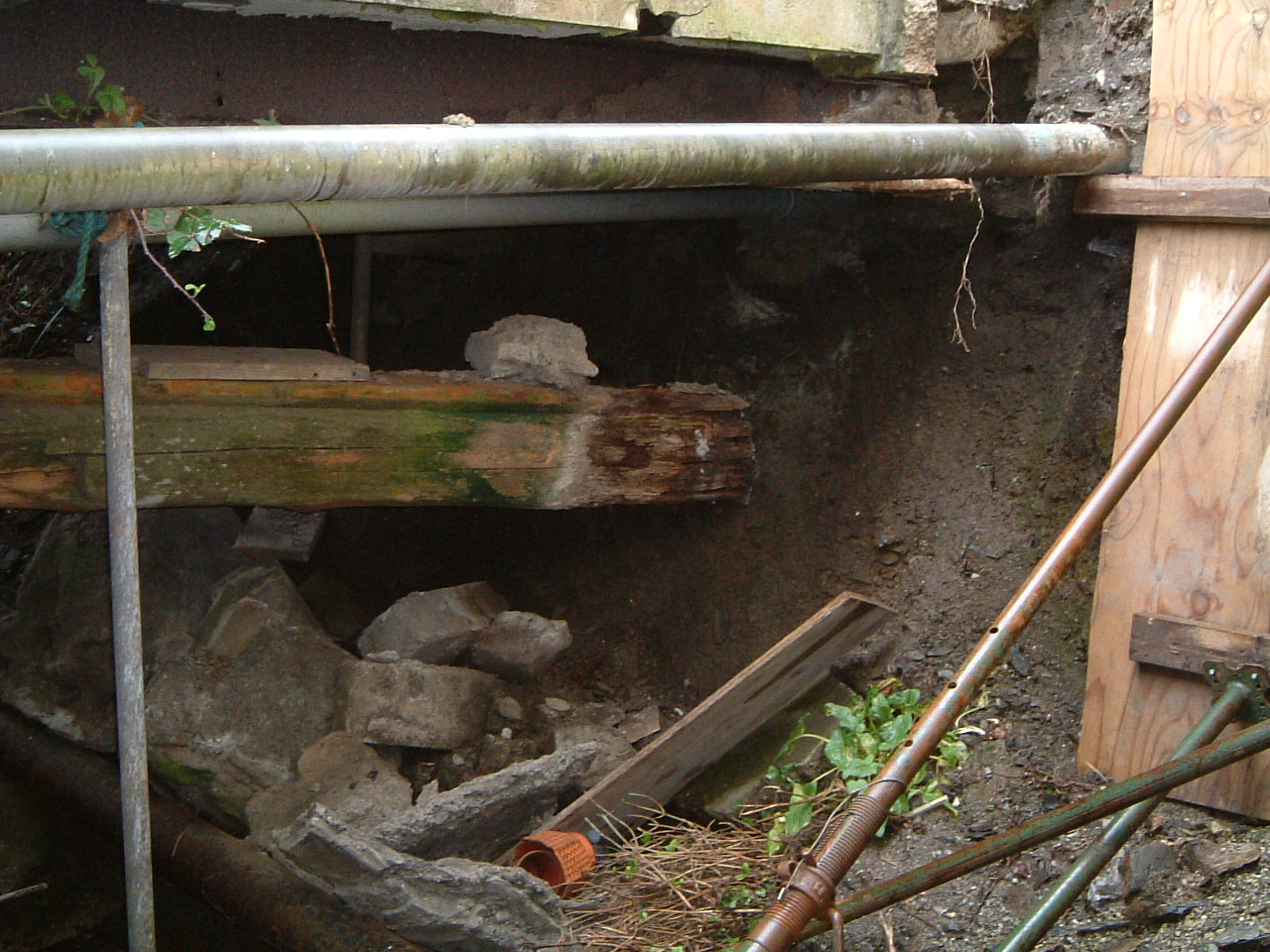Damage to beams and abutments