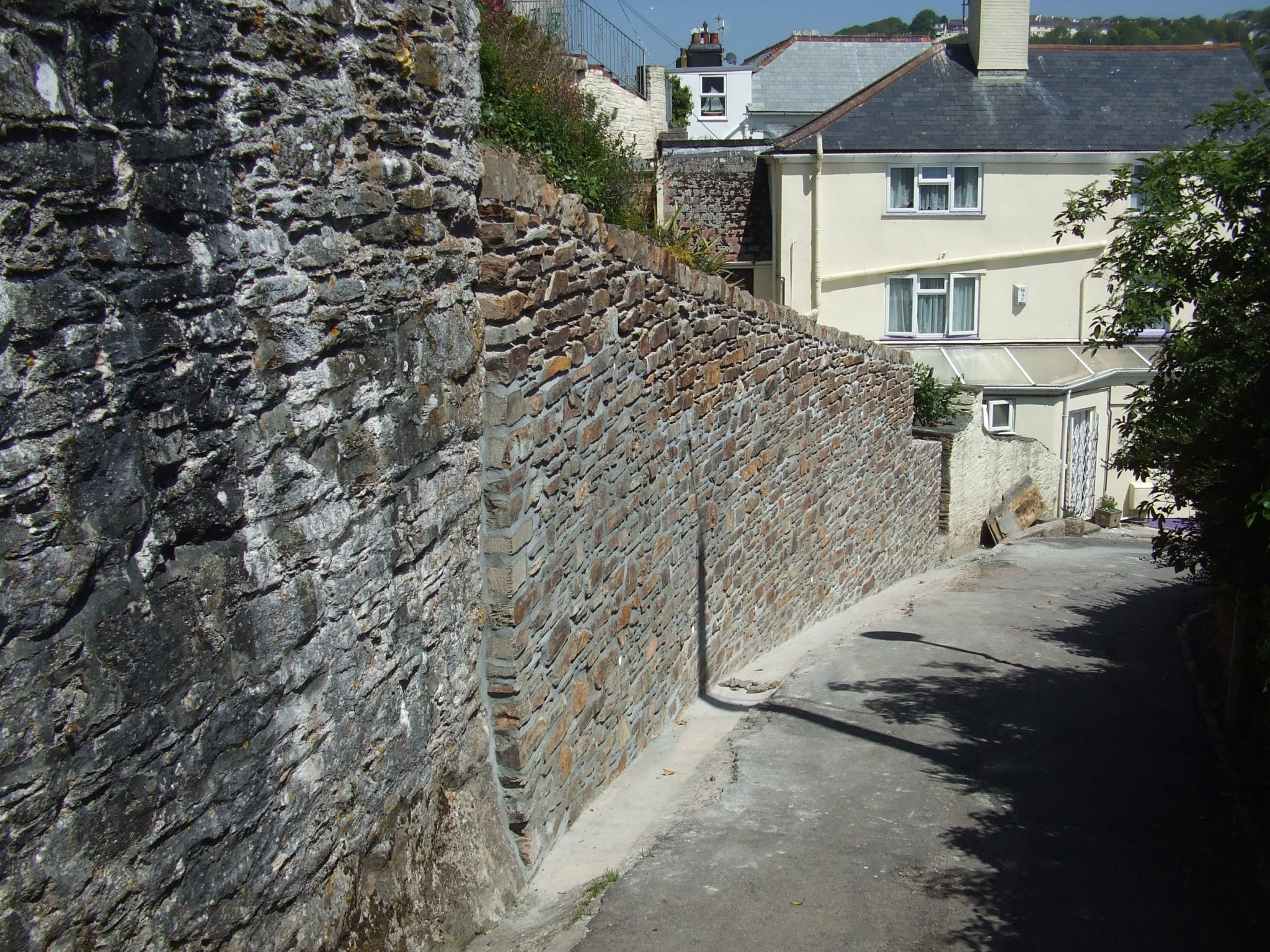 Completed replacement retaining wall