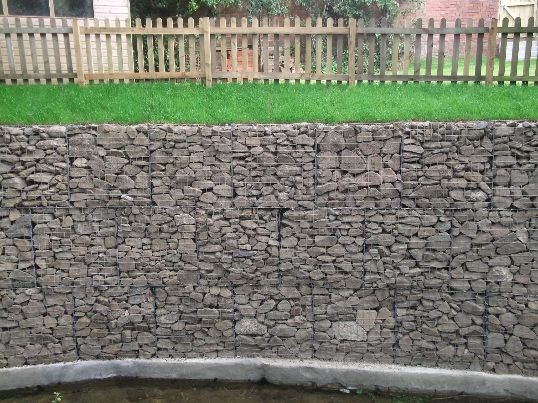 Finished gabion retaining wall