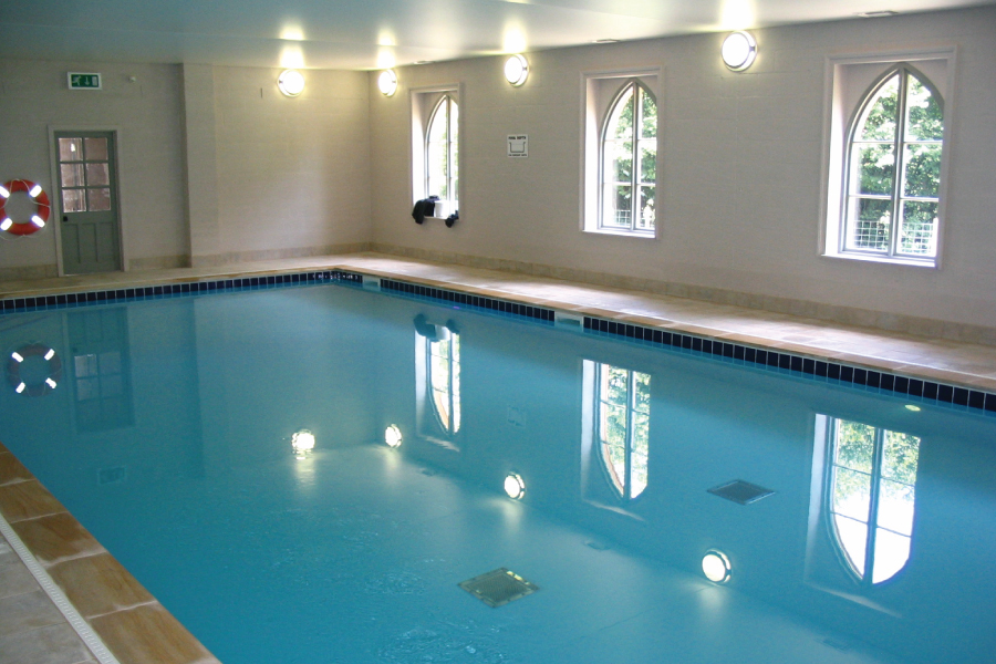 Restormel Manor swimming pool